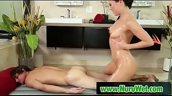 massage asian huile Hidden cam masturbatrion