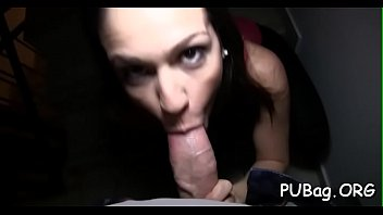 house public agent Lisa ann is a desperate mother