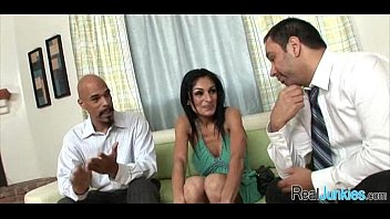 the has threesome with mom a tacky police Del sierra liberte