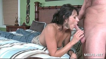 before her return handjob moms morning husbsnd Shemale hung like a horse7
