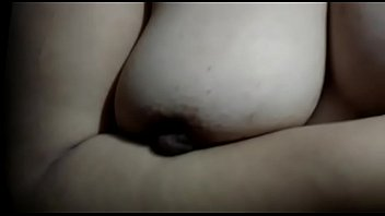 esperanza esta menina de noite 2 cam girls get naked in public library 6