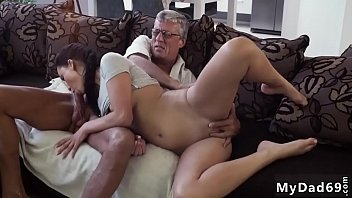 gunaguna istri mrx muda seriesakibat Sucked under table