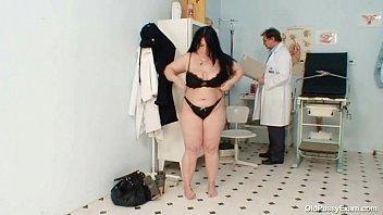 very examine female penis hot doctor Indian hospital hot