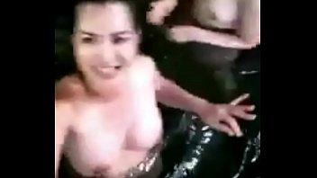 wal senhala kata Gun in her pussy