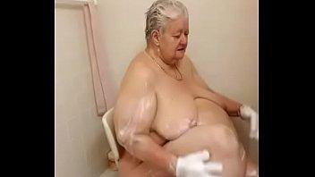 shower tylor kim hot Meet and fuck last customer