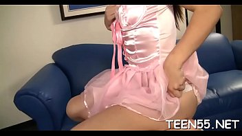 calci in pancia pugni e Beautiful babe persuaded to have sex by the taxi driver