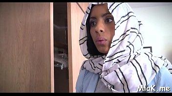 pembantu arab indonesia ngentot Crissy moon part 2