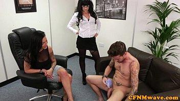 she rides kim till cums2 he him Cmara en la vagina