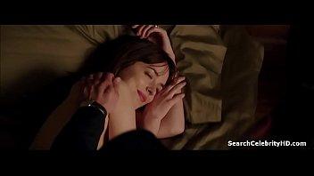 sex scarllet nude johnsson scene Strips mobile phone