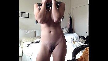 diraba di kelas Lesbians loves sucking double d titties on bed