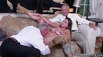 panties hand lets in his put her daddy Le pote de son mari
