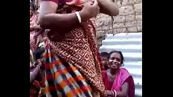 indian chudai auntie me ki bathrooms Two girls ffm threesome cum in mouth compilation