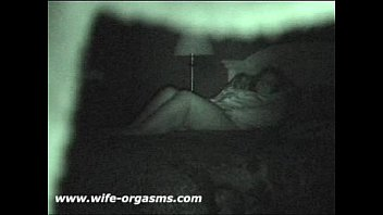 wife masturbating toy hidden Ma femme en jupe cossaise baise