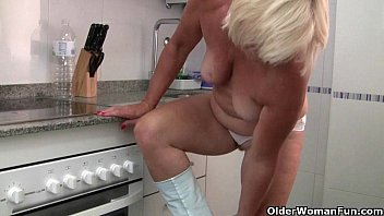 moms morning handjob husbsnd return her before Grandfather sucking boobs