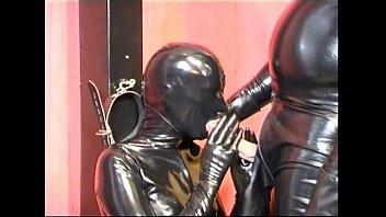 slave torture girls Me orino en su boca