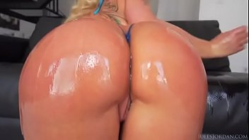 ass cyrus sexy miley Hollie ass parade