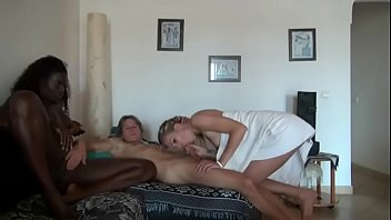 mechanic wife blackmailed by Mnkabh saudi and