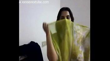 bhabhi saree mp4 sex desi village Arab hijab dress change
