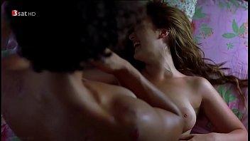 scarllet nude scene sex johnsson Esposa excitando amigos marido8