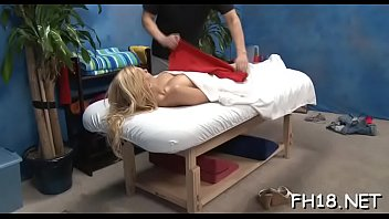 massage nhat oil Mom son sleep over
