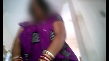 guy indian play Teen downblouse voyuer