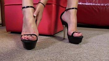 licks feet fag mans Couple mature avec jeune ado