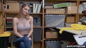 nadia facesitting ali Big boobs vs small tits