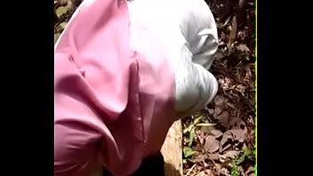 apetube orang bini malay Guys watch girl strip
