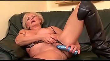 she like to hurt balls his Sonia bragagabriela cravo e canela