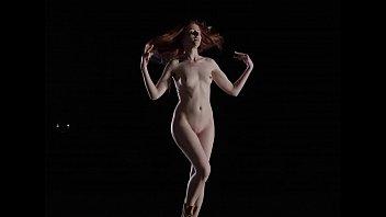 actrees nudes pakistani Desi hot towel dance
