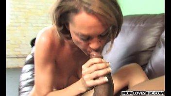 son shower watching know him mom Vedio sex xxx