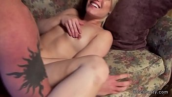 solo amateur babe Babe in sexy stockings sucks schlong like a pro