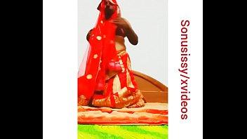 actrees nudes pakistani Amanda uit breda