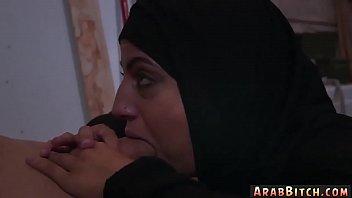 arab men xxx Une black qui pleure